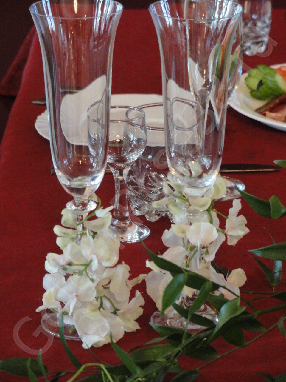 Украшение свадебных бокалов Оформление зала GoldenRose38